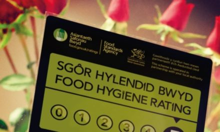 Gwynedd Council urge diners to 'Look before you Book'
