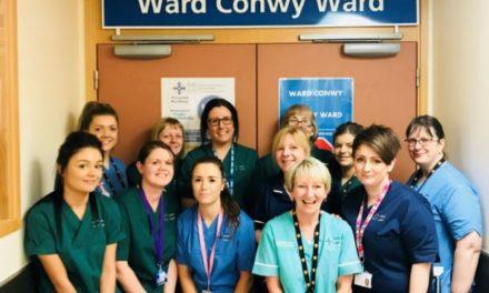 Former RAF officer praises Ysbyty Gwynedd staff for 'outstanding care'