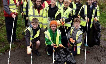 Ysgol y Garnedd in Bangor join anti-litter campaign