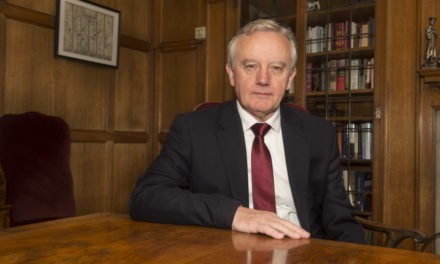 Bangor University's Vice-Chancellor announces retirement