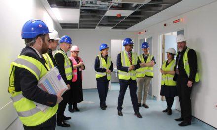 Vaughan Gething visits Emergency Department at Ysbyty Gwynedd