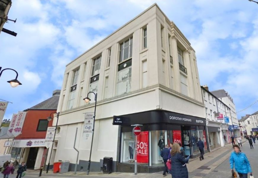 Former Dorothy Perkins building for sale by auction