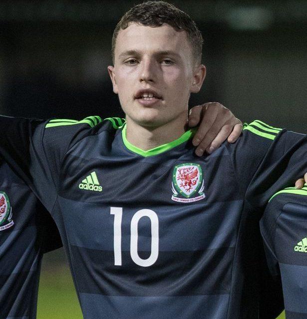 Nathan Broadhead called up for Wales senior squad training camp