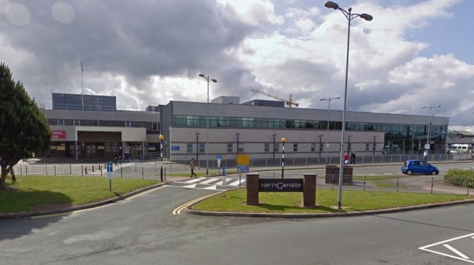 Anglesey man charged with assaulting nurse and police at Ysbyty Gwynedd