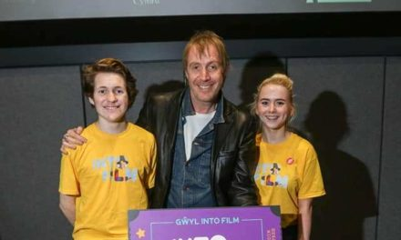 Coleg Menai student interviews Hollywood star Rhys Ifans