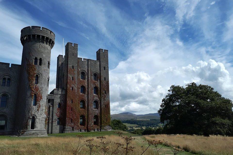 Game of Thrones IS being filmed at Penrhyn Castle