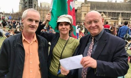 Bangor Climate Change activists join MP for London Protest