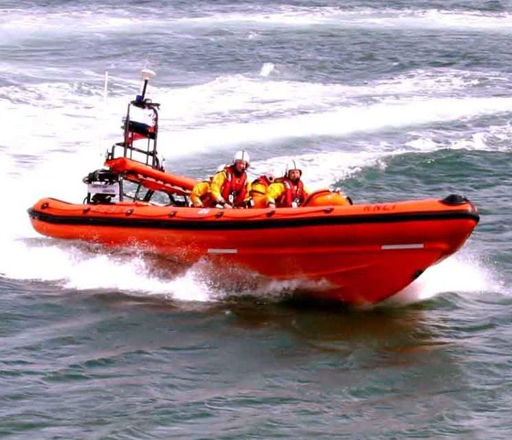 Lifeboat rescues stranded fishing boat near Bangor