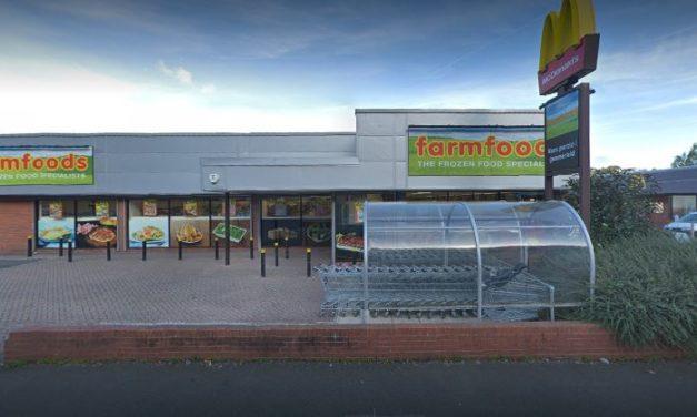 Caernarfon Road Farmfoods retail unit sold at auction